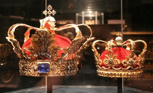 danish royal crowns